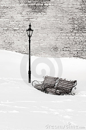 Free Benches In The Snow Royalty Free Stock Image - 18086776
