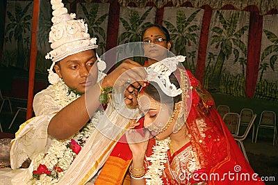 Bengaalse huwelijksRituelen in India Redactionele Foto