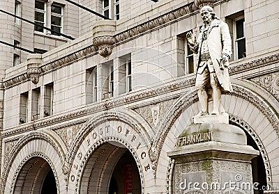 Benjamin Franklin pierwszy postmaster
