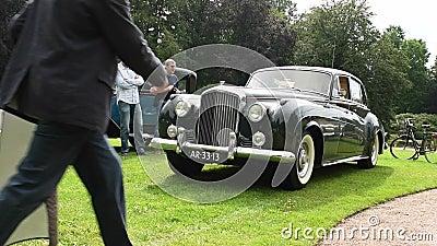 Bentley S2 kontinental durch Weinleseoldtimer 1959 Mulliner stock video footage