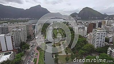 Berühmte Quadrate der Welt Vogelperspektive des Satzes der Quadrate bekannt als der Garten von Allah Rio de Janeiro Brasilien stock video footage