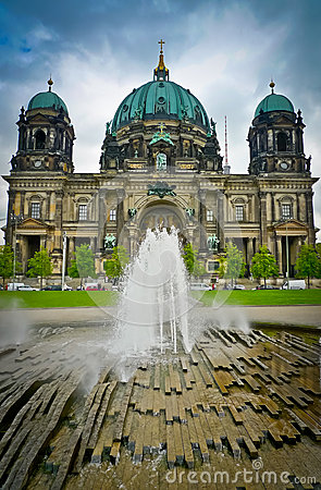 Berlin Cathedral and fountain