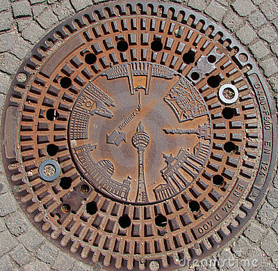 Berlin monuments on manhole cover
