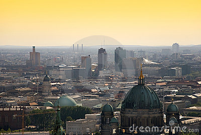 berlin skyline potsdamer platz lizenzfreie stockfotos bild 14737348. Black Bedroom Furniture Sets. Home Design Ideas