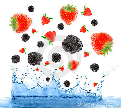 Free Berries Falling In Water. Royalty Free Stock Photos - 4087618