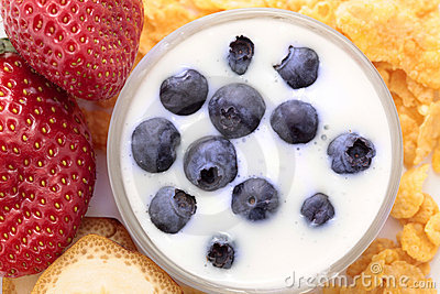 Berry fruits with yogurt