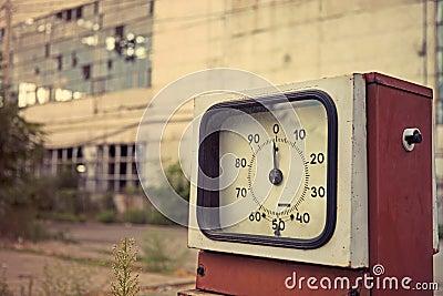 Beschadigd benzinestation