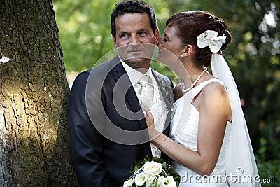 Beso blando de la boda