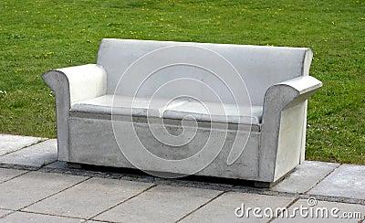 Betonowa kanapa