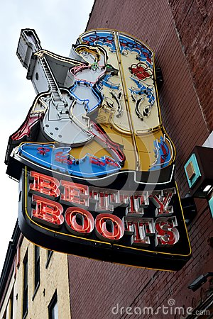Free Betty Boots Sign In Nashville Stock Image - 112837561