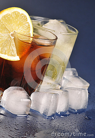 Free Beverages With Ice Royalty Free Stock Photography - 28943497