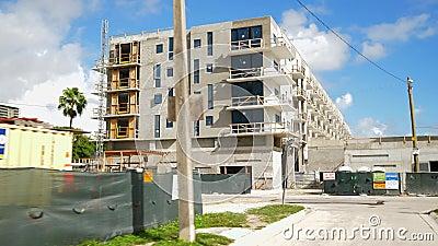 Bewegingsopnamen bouwlocatie Miami Upper East Side stock videobeelden