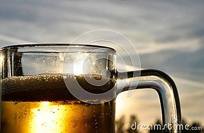 Bière contre le ciel