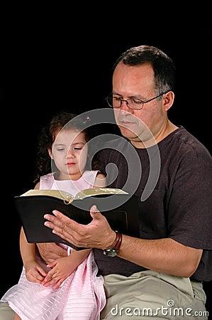 Bi della lettura della figlia e del padre