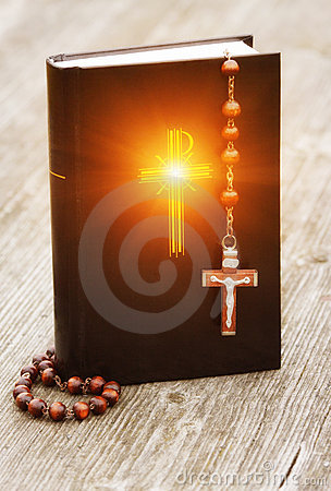 Free Bible And Rosary Stock Photography - 18438942