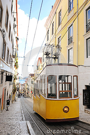 Bica Cable Car - Typical Lisbon Yellow Trams
