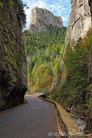 Bicaz gorge: curved road and vertical walls