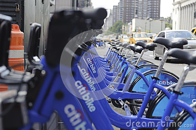 Bici de New York City que comparte la estación Foto editorial