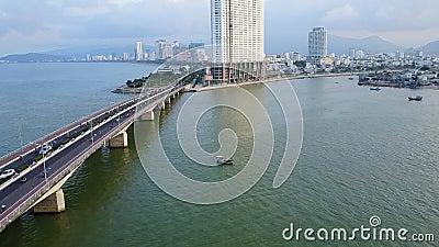 Bicicleta da ponte de Vietname na antena da estrada filme