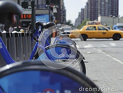 Bicicleta de New York City que compartilha da estação Imagem de Stock Editorial