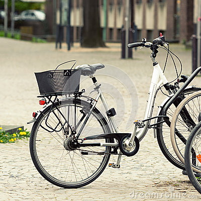 Bicicletta sulla via