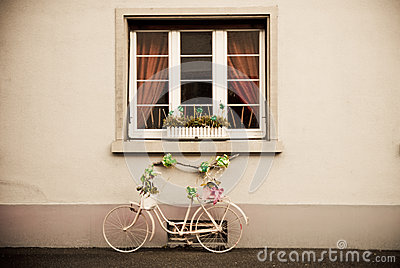 Bicycle with ties