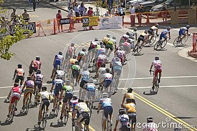 Bicyclists aficionados de los hombres Imagen de archivo editorial
