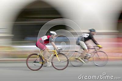 Bicyclists amadores dos homens Foto Editorial