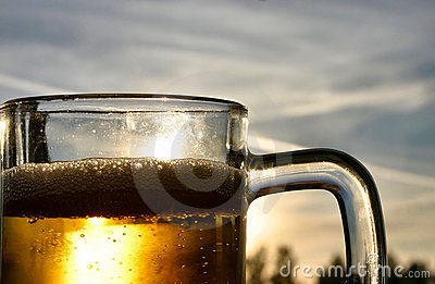 Bier tegen de hemel
