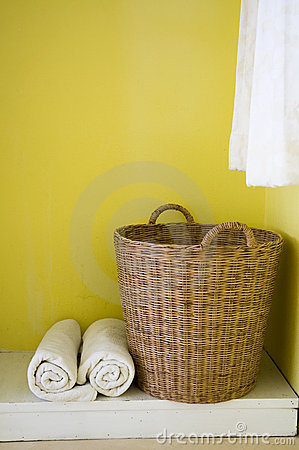 Free Big Basket And Towels Stock Photos - 18420463