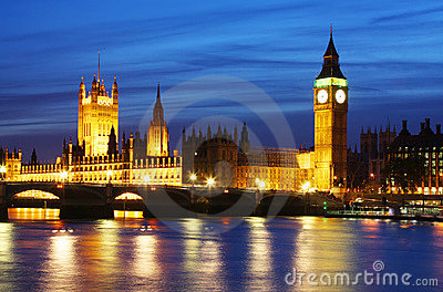 Big Ben & Houses of Parliament in London