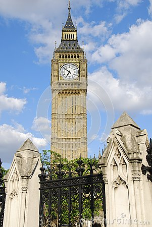 Big Ben Towering