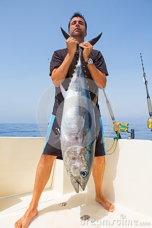 Big Bluefin tuna catch by fisherman