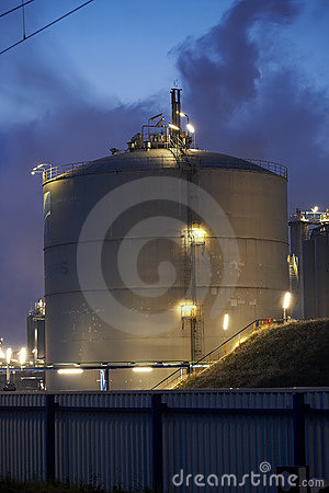 Big gas tank