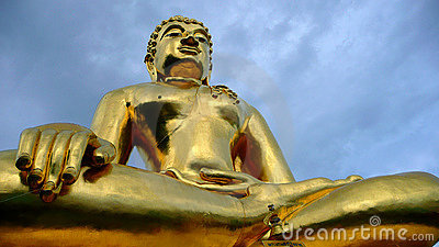 Big golden budda