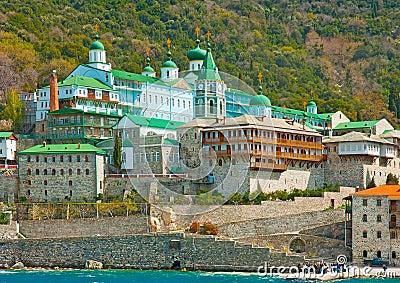 Où suis -je -ajonc - 10 septembre 2016 trouvé par Jovany Big-monastery-agios-panteleimon-russian-holy-mountain-athos-greece-39772264