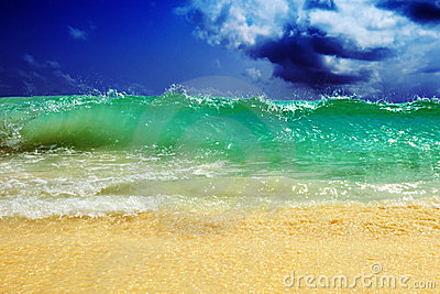 Big oceanic wave
