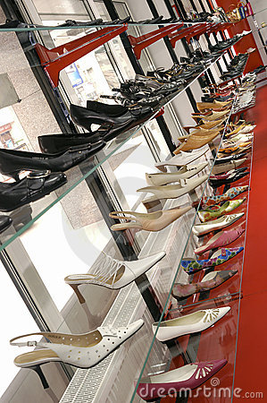 Free Big SALE In The Shoe Shop Royalty Free Stock Image - 1910626