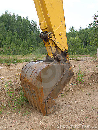 Free Big Scoop Of Construction Machine Excavator Royalty Free Stock Images - 20255689
