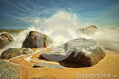 Big splash at Bari Kecil beach