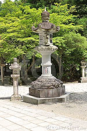 Free Big Traditional Japanese Stone Lamp Royalty Free Stock Photography - 21424957