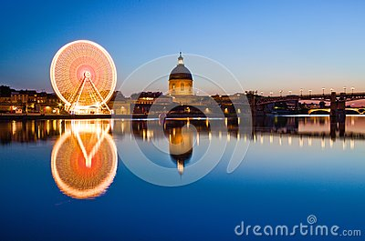 Big wheel in Toulouse city center