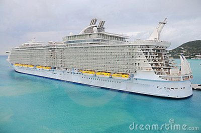 The biggest cruise ship of the world, Allure