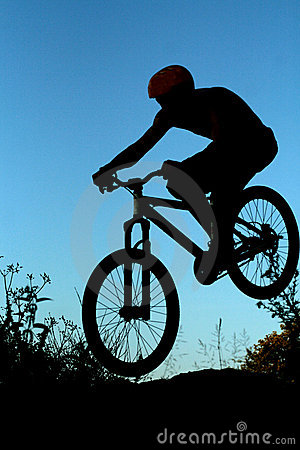 Free Bike Jump Silhouette Royalty Free Stock Images - 5626359