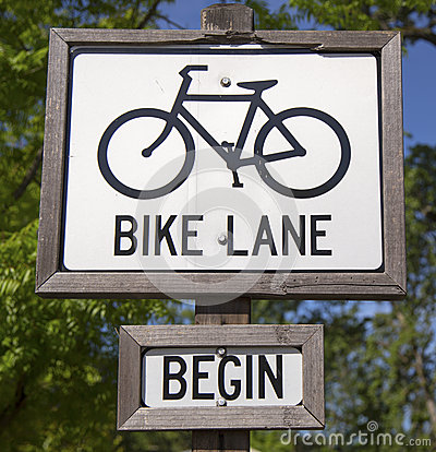 Free Bike Lane Sign Royalty Free Stock Photo - 39884015