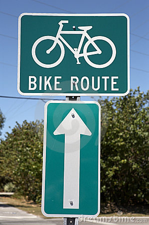 Free Bike Route Sign Royalty Free Stock Image - 682026