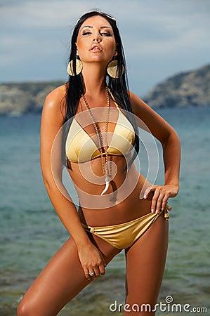 Bikini in der Tätigkeit