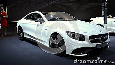 Bil för lyx för Mercedes-Benz S-grupp kupé stock video