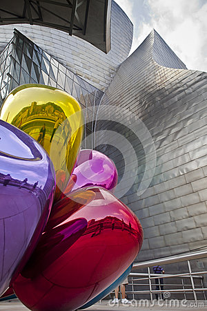 Free Bilbao Guggenheim Museum Royalty Free Stock Photo - 28727555
