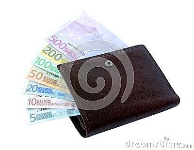 Billetes de banco euro a partir de cinco hasta quinientos en un monedero